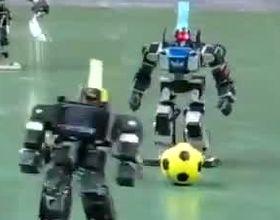 Роботы играют в футбол (8.445 MB)