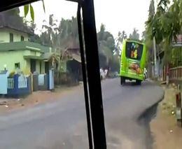 Экстремальное вождение автобуса в Индии (885.457 KB)