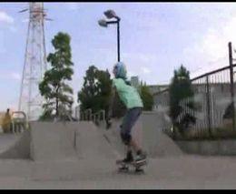 Одинадцатилетний скейтбордист (7.254 MB)