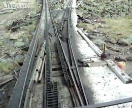 Необычная железная дорога с механическим переключением (7.297 MB)