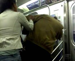 Драка в Нью-Йоркской подземке (5.627 MB)