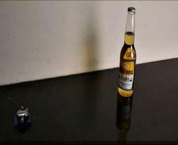 Крошечная пушка и пивная бутылка (2.590 MB)