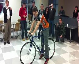 Скоростная замена камеры на велосипеде (5.443 MB)