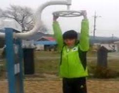 Тренировка корейского космонавта (1.729 MB)