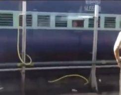 Как охлаждают вагоны поезда в Индии (3.565 MB)