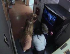Розыгрыш у торгового автомата (8.863 MB)