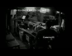 Охранник разобрался с пьяными посетителями (2.171 MB)