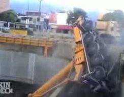 Падение строительного крана (4.206 MB)