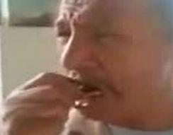 Мужик плачет как ребенок (2.511 MB)