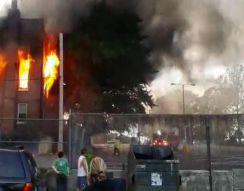 Пожарная машина снесла забор (5.258 MB)