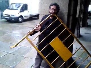 Уличный музыкант (2.536 MB)