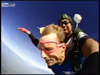 Эмоции во время первого прыжка с парашютом (4.708 MB)