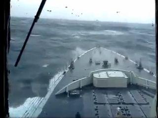 Корабль во время шторма (1.758 MB)