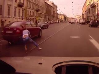 Происшествие на дороге (1.705 MB)