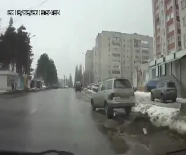 Помог водителю при ДТП (6.152 MB)