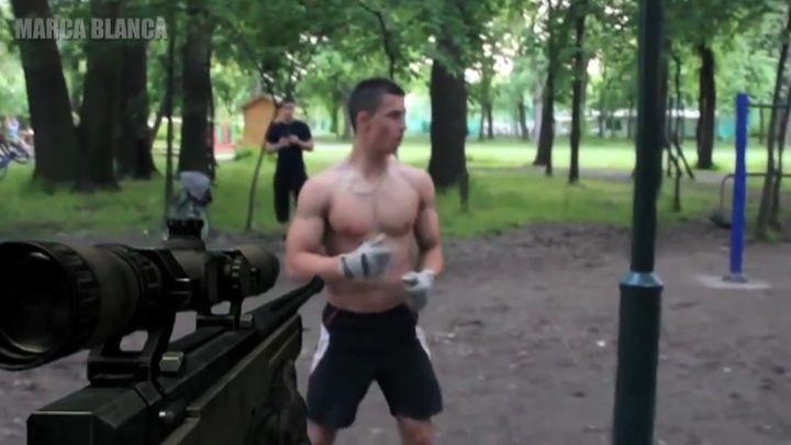 Снайпер против героев роликов (12.759 MB)