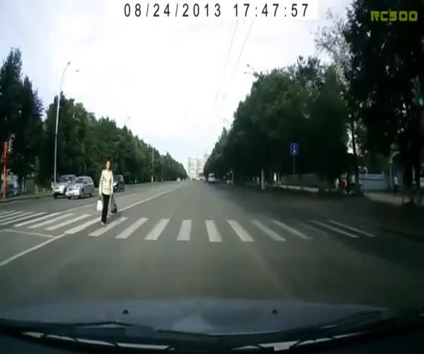 Неадекватные пешеходы на дорогах России (9.387 MB)