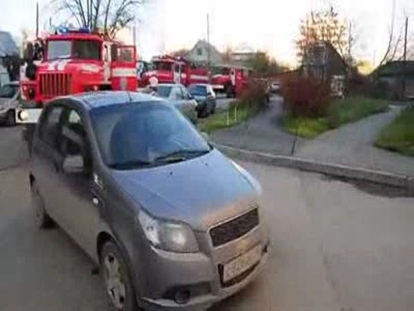 Мастер парковки помешал пожарным (6.583 MB)