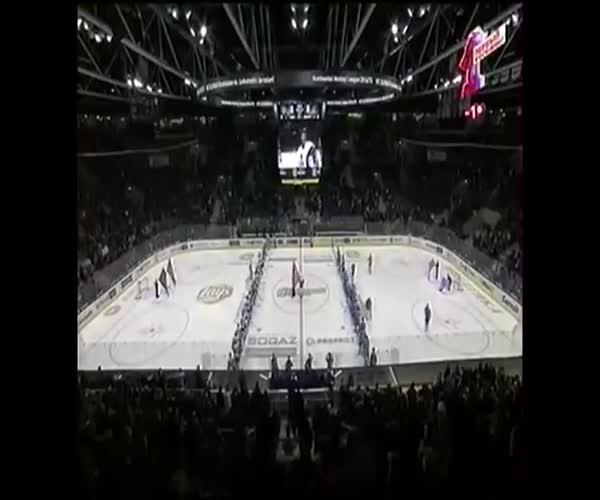 Перепутали гимн России и СССР на хоккейном матче (18.345 MB)