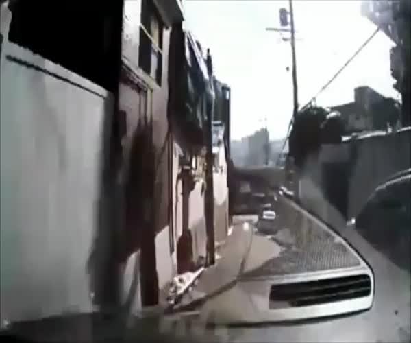 Осторожно! Женщины за рулем (12.905 MB)