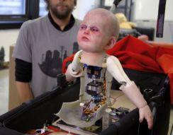 Страшный робот-младенец (4.523 MB)