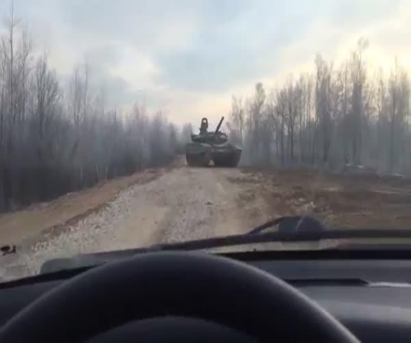 В лобовую с танком (1.279 MB)