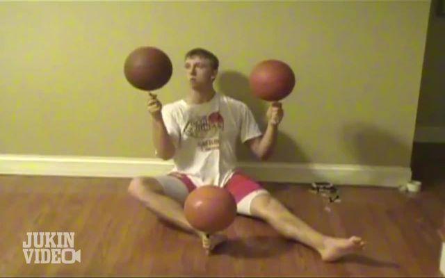 Баскетбольные трюки (9.066 MB)