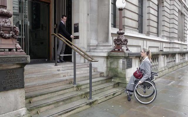 Современный подъемник для инвалидов (8.427 MB)