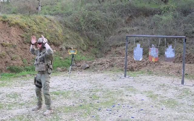 Скоростная стрельба из разного оружия (9.959 MB)