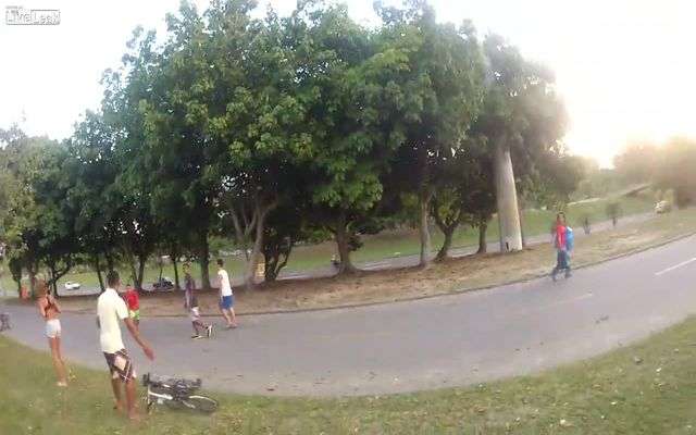 Нагло украли велосипед (1.986 MB)
