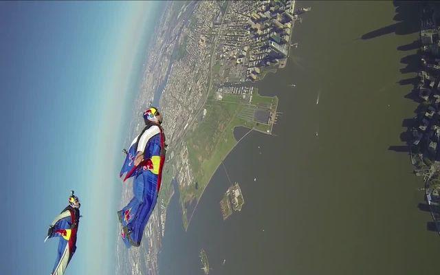 Полет над Нью-Йорком (7.856 MB)
