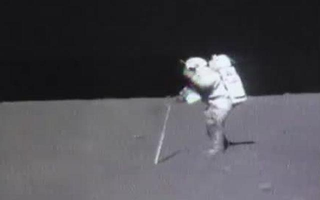 Уронил молоток на луне (3.074 MB)