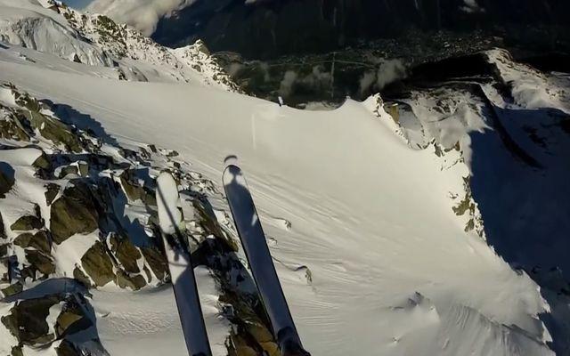 Лыжник вызвал лавину (4.147 MB)