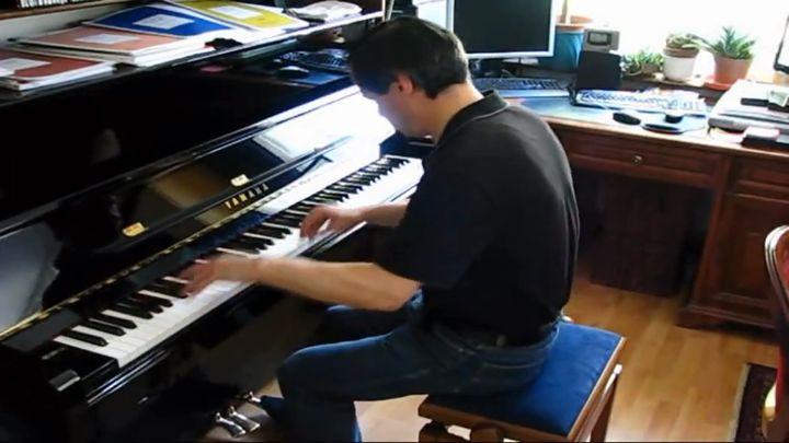 Нереальная игра на пианино (19.516 MB)