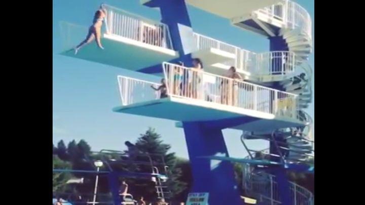 Неудачный прыжок с вышки в воду (962.372 KB)