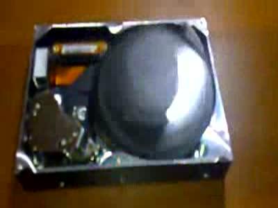 Классные часы из жесткого диска (1.308 MB)
