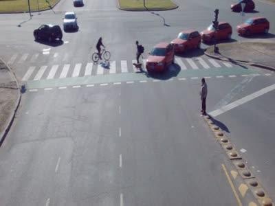 Идеальные водители и пешеходы (6.702 MB)