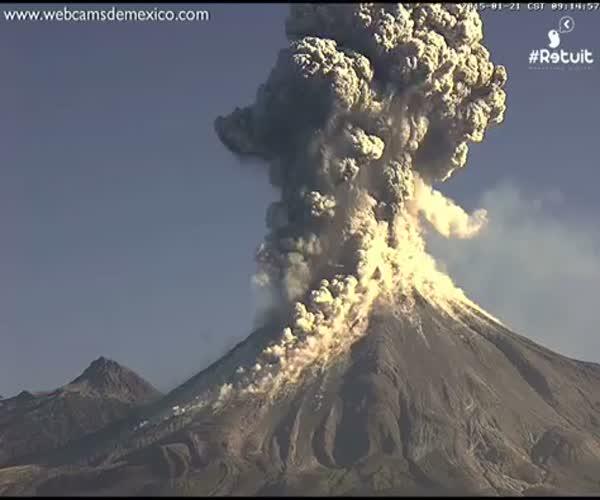 Извержение вулкана в Мексике (1.633 MB)