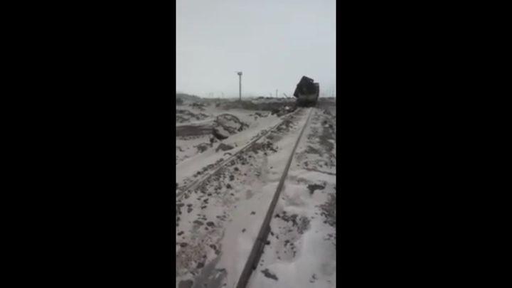 Взрыв при сливе шлака на снег (3.109 MB)