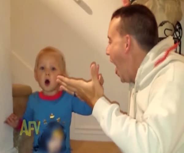 Папа удивил малыша (6.690 MB)
