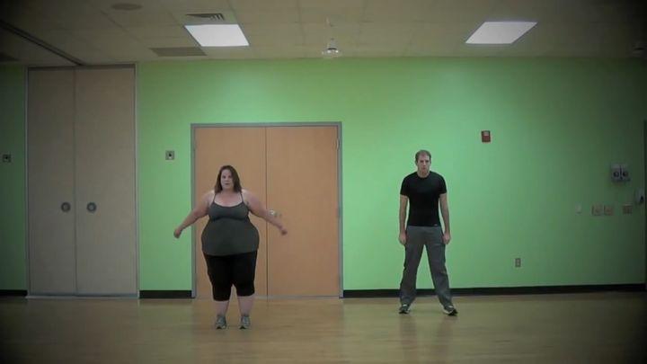 Очень полная девочка классно танцует (6.295 MB)