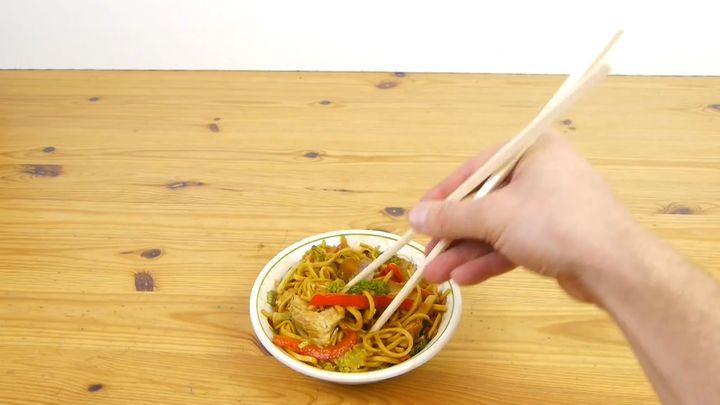 Как пользоваться палочками для еды (9.007 MB)