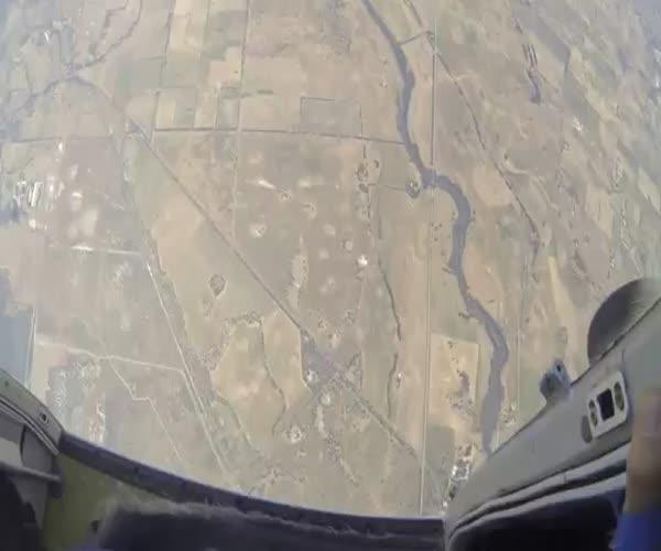 Инструктор спас парня в воздухе (8.531 MB)