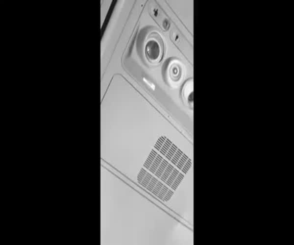 Замиксовали звуки из самолета (3.677 MB)