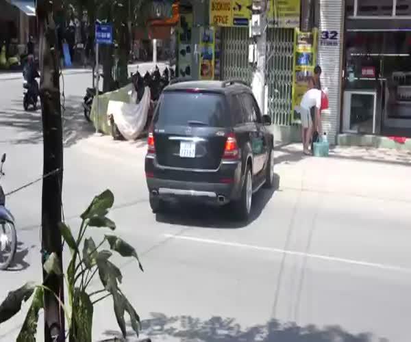 Парковка по-вьетнамски (13.688 MB)