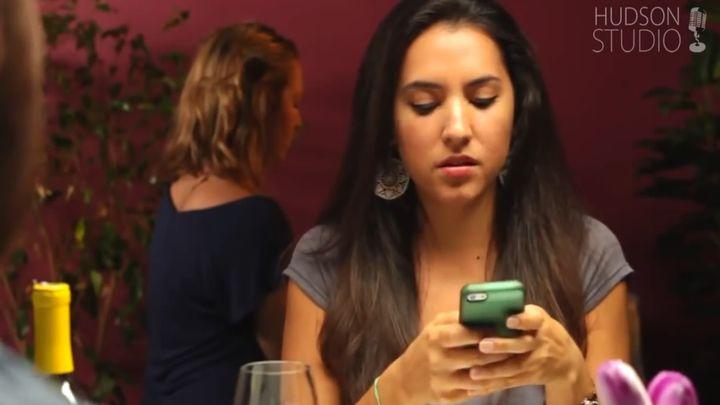 Если бы женщины говорили правду на свидании (8.415 MB)