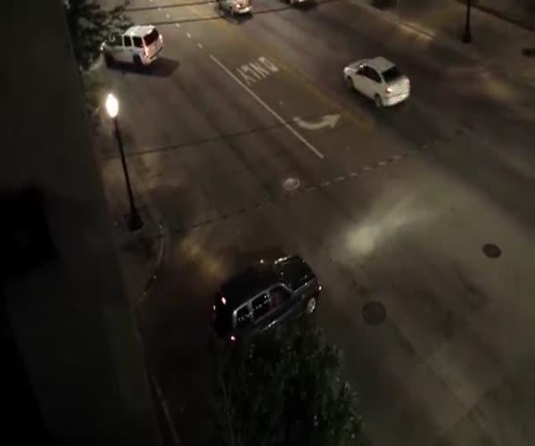 Перестрелка фейерверками в Чикаго (5.932 MB)