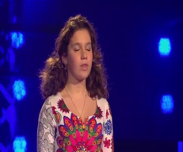 Великолепный голос юной девушки (11.912 MB)