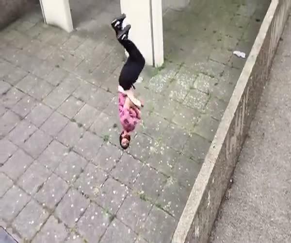 Эффектный и опасный прыжок (1.072 MB)