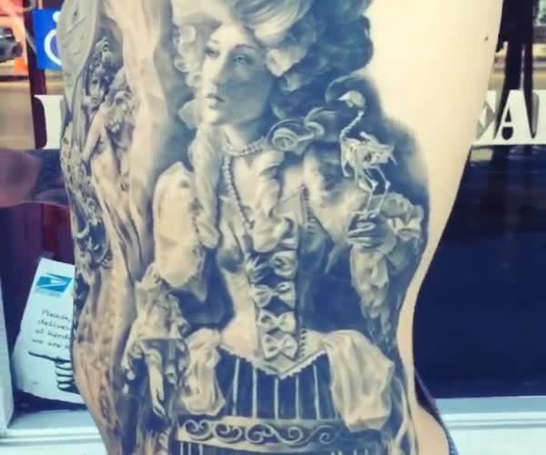 Классная татуировка на все тело (1.071 MB)